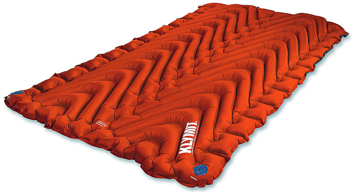Двуспальный американский надувной матрас с микроволоконным наполнителем Klymit Insulated Double V
