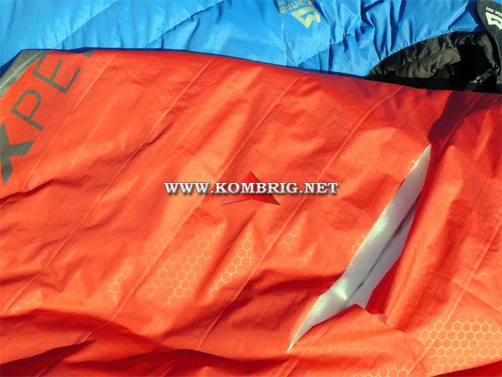 Разрыв в оболочке туристического коврика Exped SynMat Winterlite (2)