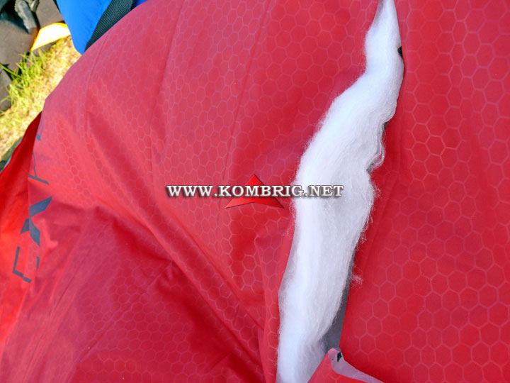 Разрыв в оболочке туристического коврика Exped SynMat Winterlite (3)